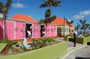 Casette colorate negozi Tortola