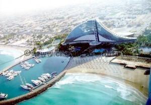 jumeirah-beach-hotel-dubai-united-arab-emirates-designrulz-1